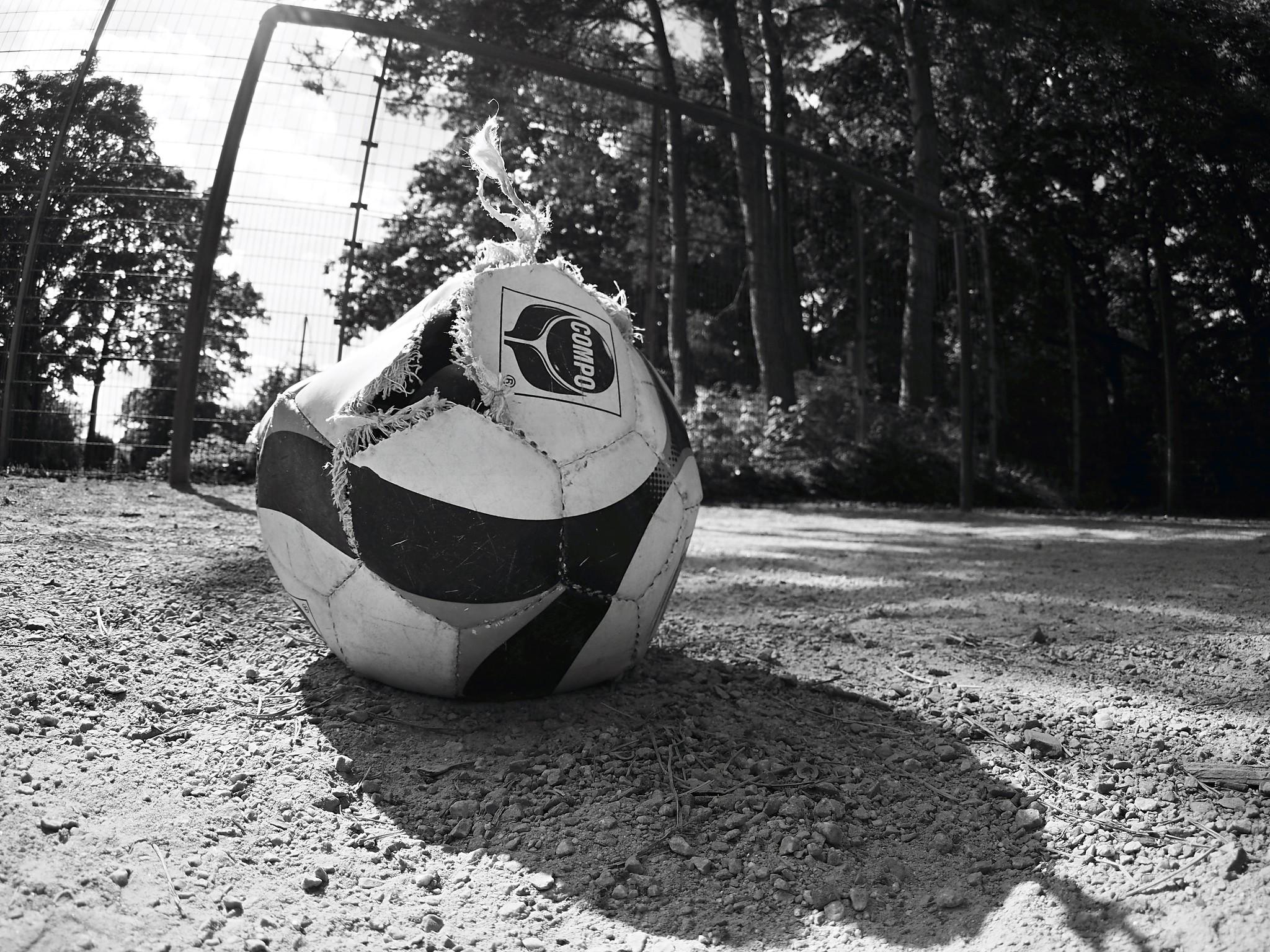 Der Ball ist platt. Aus und vorbei!